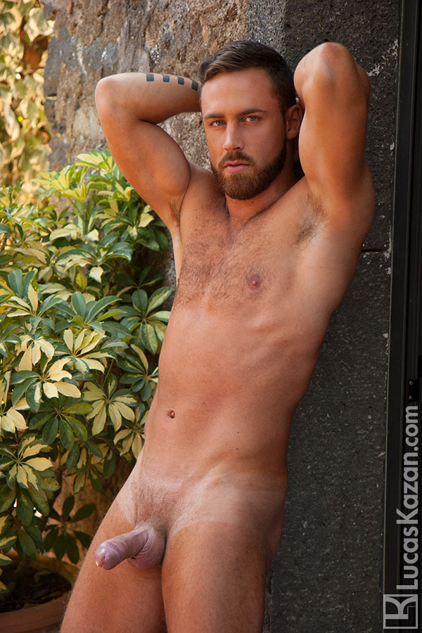 lucas-kazan's handsomely-sexy-hunk-logan-moore-6-chronicles-of-pornia-blog