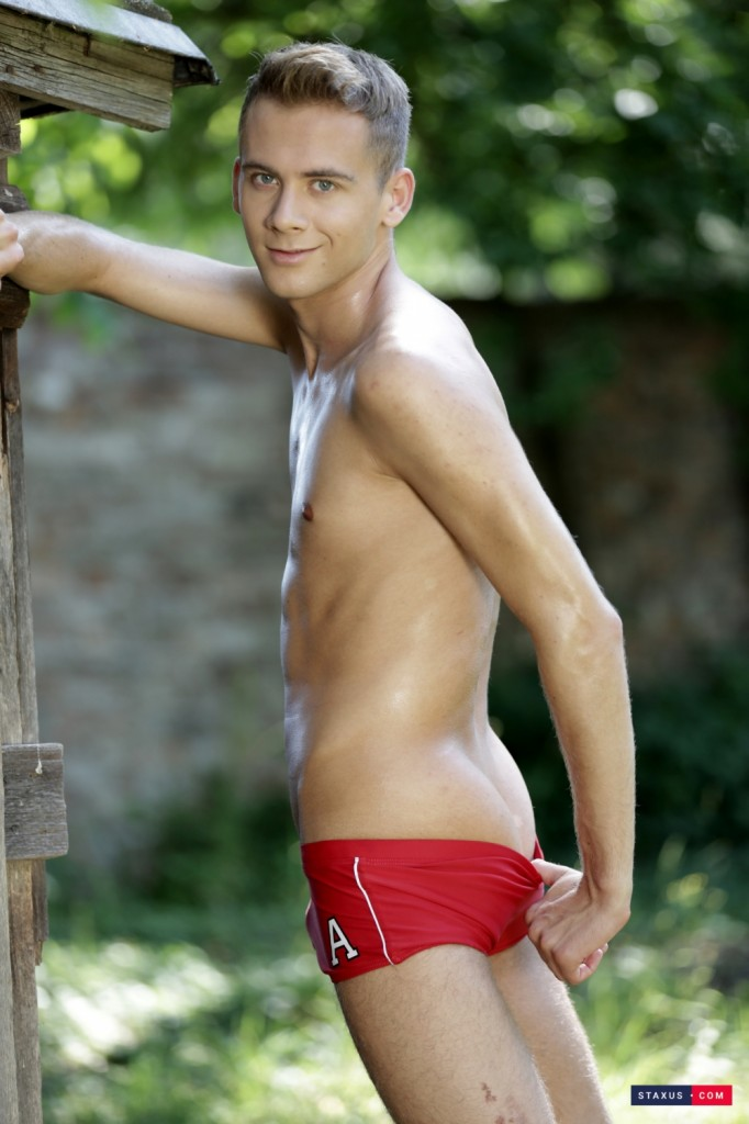 staxus-the-lovely-twock-lad-ray-mannix-chronicles-of-pornia-blog