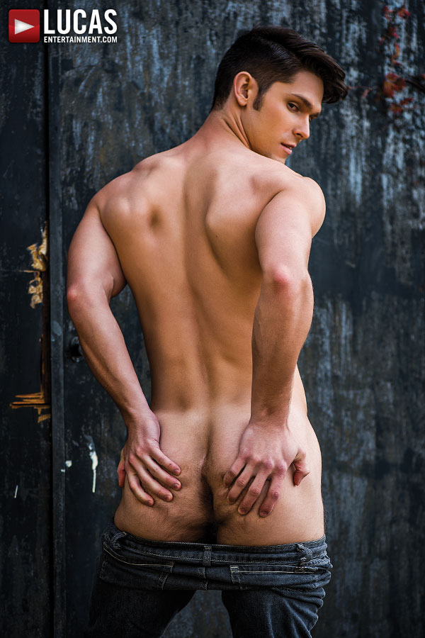 lucas-entertainment-newcomer-devin-franco-is-a-handsomely-charming-stud-2-chronicles-of-pornia-blog