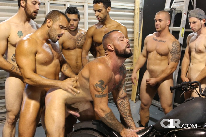 c1r-everybody-hog-wild-hump-that-hunk-4-chronicles-of-pornia-blog
